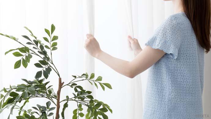 がんばらない掃除術【カーテンのカビを取る方法】