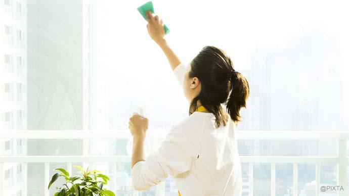 テキパキ掃除術!窓ガラスの掃除は面倒じゃない!