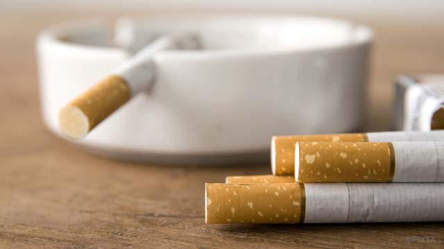 【パパっと消臭】タバコ臭を取るワザ|部屋・車編
