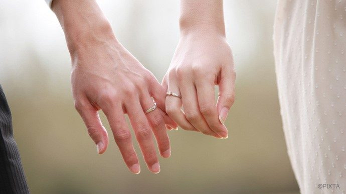 【結婚のギモン】両家の顔合わせに手土産は持っていくべき?