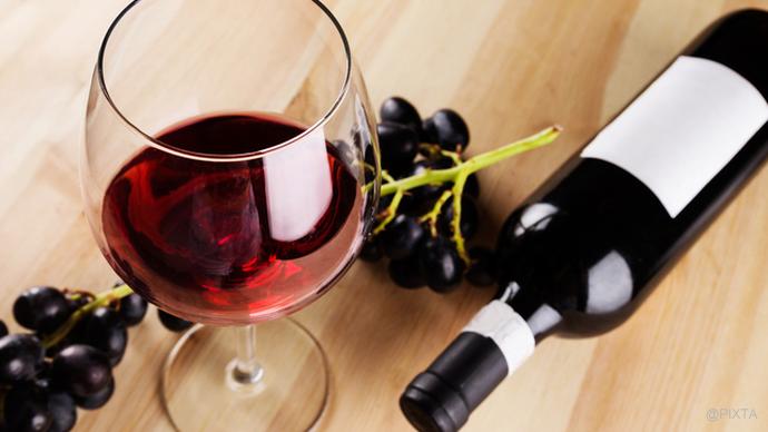 知っててよかった!ワインの正しい注ぎ方|Pacomaマナー道場