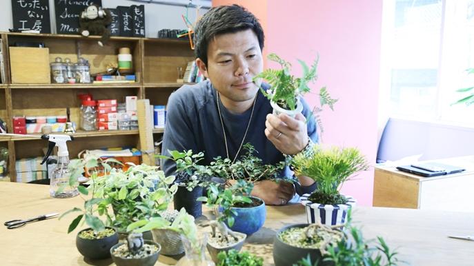【枯らしちゃう人必見】人間も植物も、愛を注げば共存できる! 植物を元気にする男・ビリさんに聞いた暮らし方のポイント&おすすめアイテム
