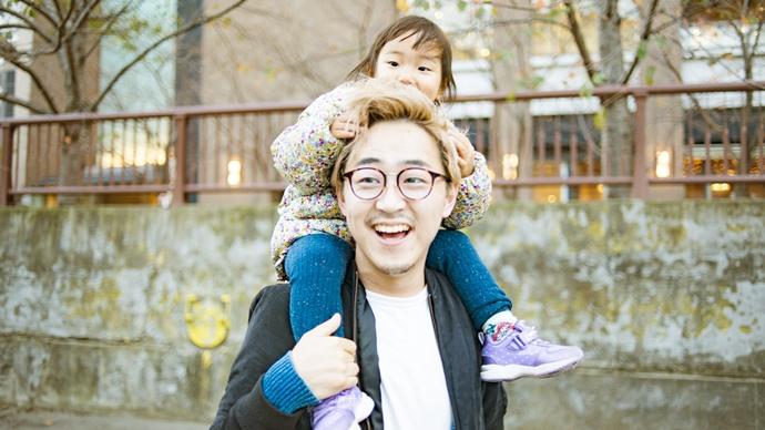 高木新平さん/人生100年時代。迷惑をかけあって、子育てできる社会をつくる【夫婦のチームワークvol.5】